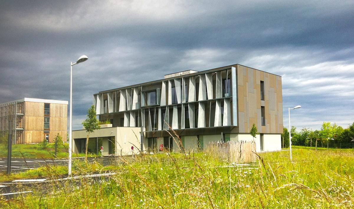 00-atelier-cub3-immeuble-de-bureaux-bain-de-bretagne-35