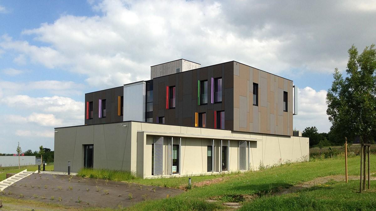 00-bis-atelier-cub3-immeuble-de-bureaux-bain-de-bretagne-35
